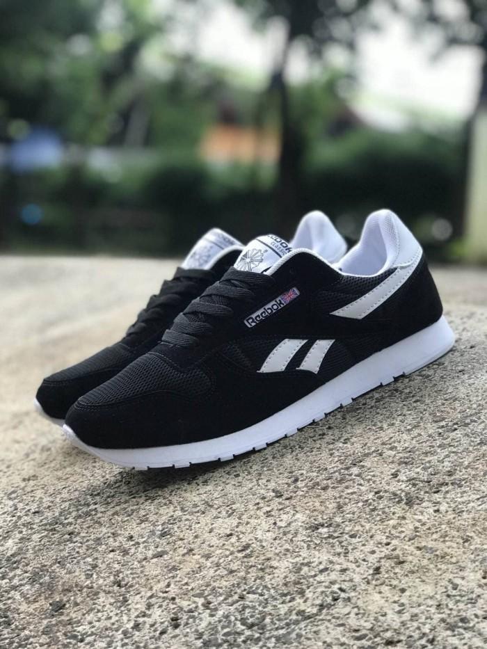 ... Reebok Classic Size 39 - 43 Sepatu Pria Sneakers Sekolah Hitam Navy -  Blanja.com ... e61cebe3db