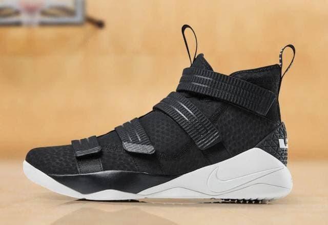 46bb0475848 Jual Sepatu Basket - Nike Lebron Soldier 11 Black White - PRM - Kab ...