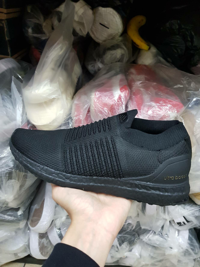50d66451c4860 Jual Sepatu Adidas Ultra Boost Laceless Triple Black Premium Quality ...