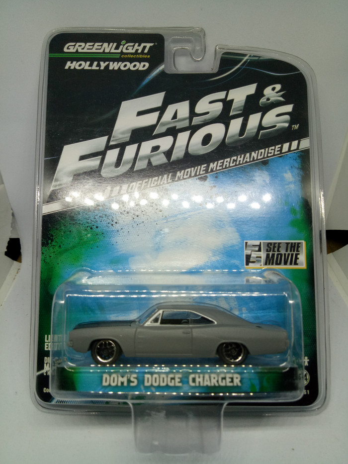 Greenlight Diecast Fast and Furious Dom's Dodge Charger