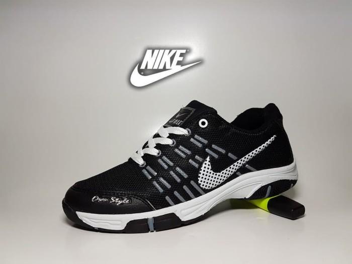 ... harga Sepatu sport nike airmax badminton hitam putih   casual sneaker  pria Tokopedia.com cb216efe64