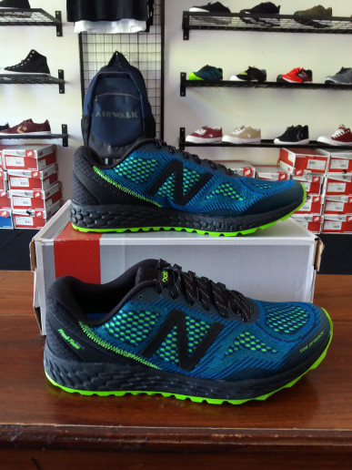 harga New balance trail gobi v2 fresh foam black blue original Tokopedia.com
