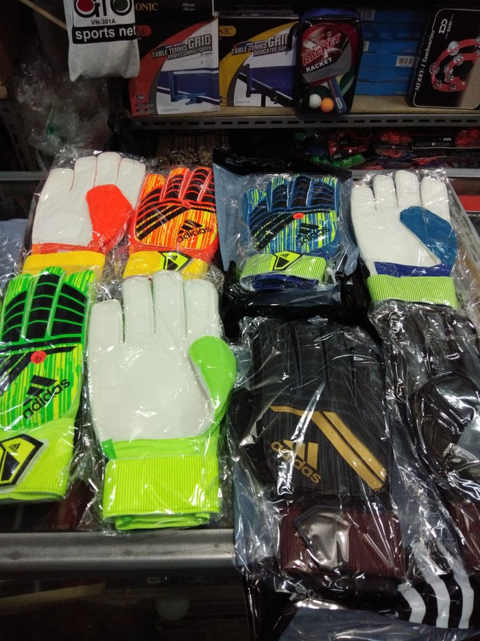 harga Sarung tangan kiper bola dan futsal adidas nike tulang Tokopedia.com