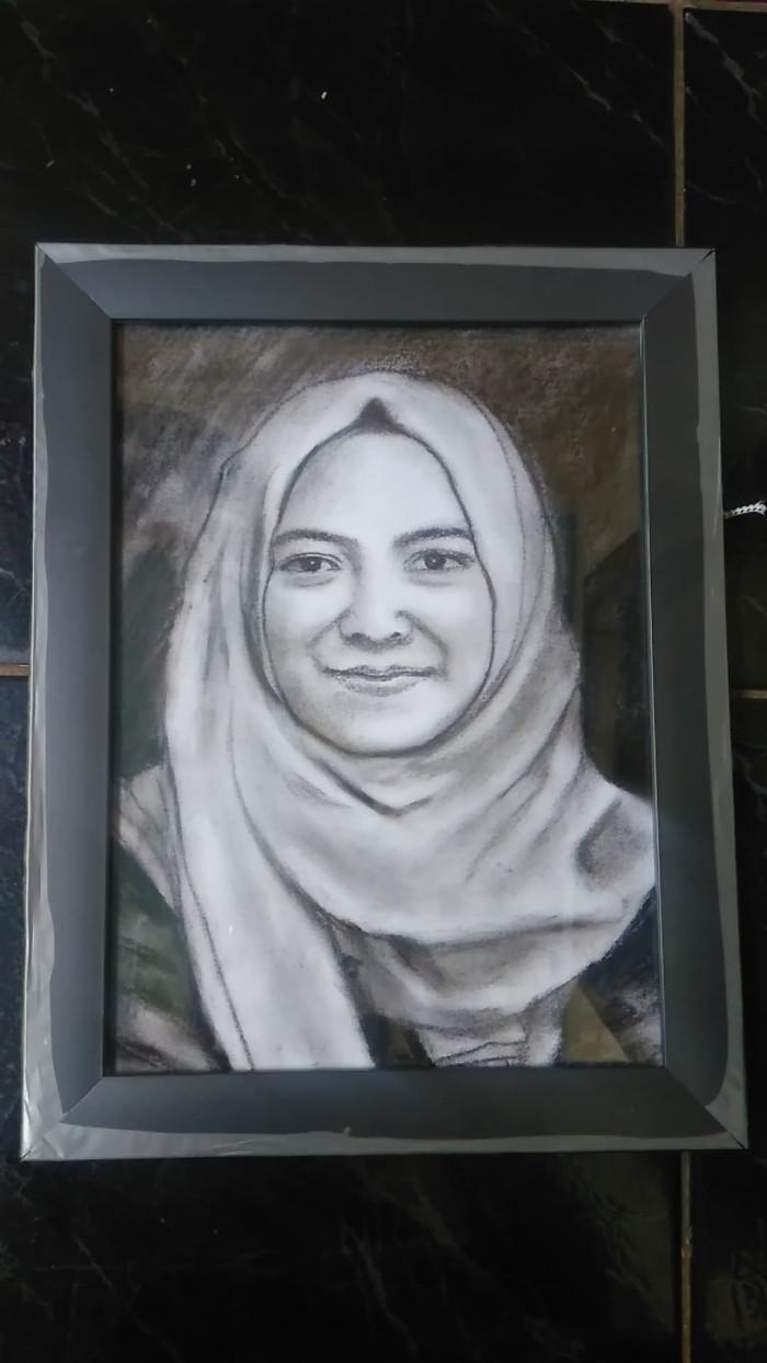 Jual Lukisan Sketsa Untuk Kado Anniversary Hadiah Ulang Tahun BINGKAI Kota Bekasi ID Gallery