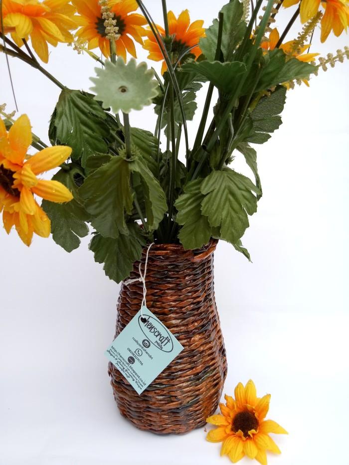 Jual Vas Bunga Dari Koran Bekas Pot Bunga Kota Bandar Lampung Henscraftproduction Tokopedia