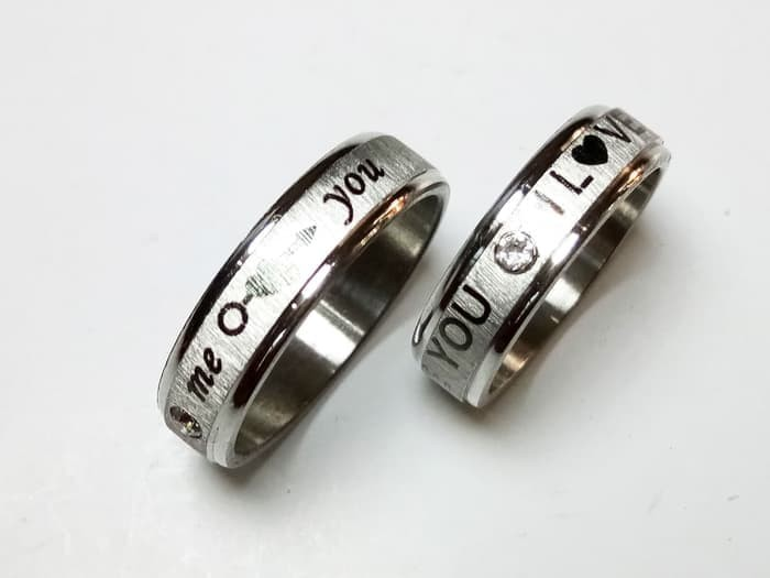 harga Cincin single / couple tunangan titanium  silver love Tokopedia.com