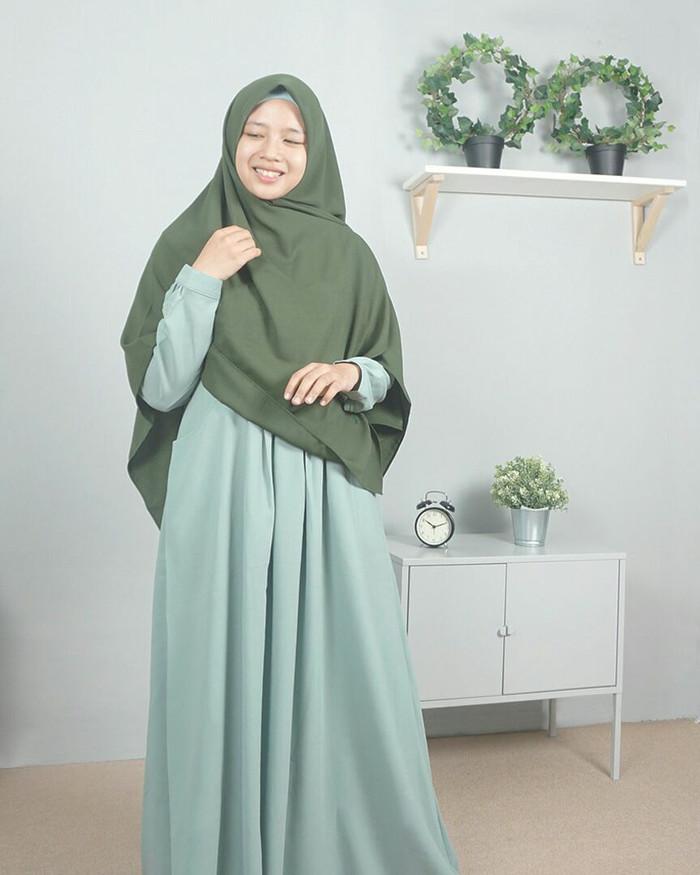 harga Setelan gamis syari ayumi buttermint plus khimar hijab alila Tokopedia.com
