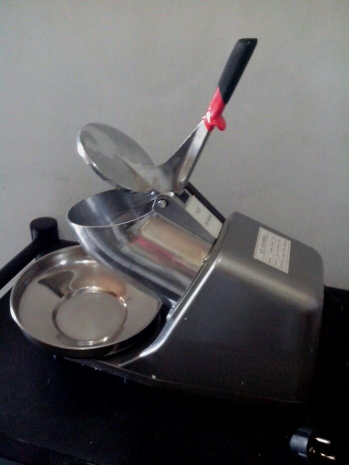 Foto Produk Serut es listrik ice crusher shaver elektrik es kepal dari Champion