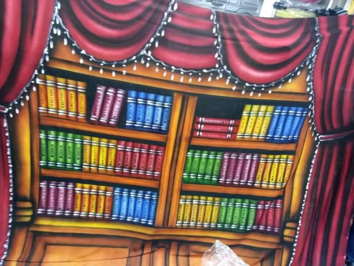 harga Kain foto backdrop. background foto kain wisuda rak buku 2.5x3m Tokopedia.com