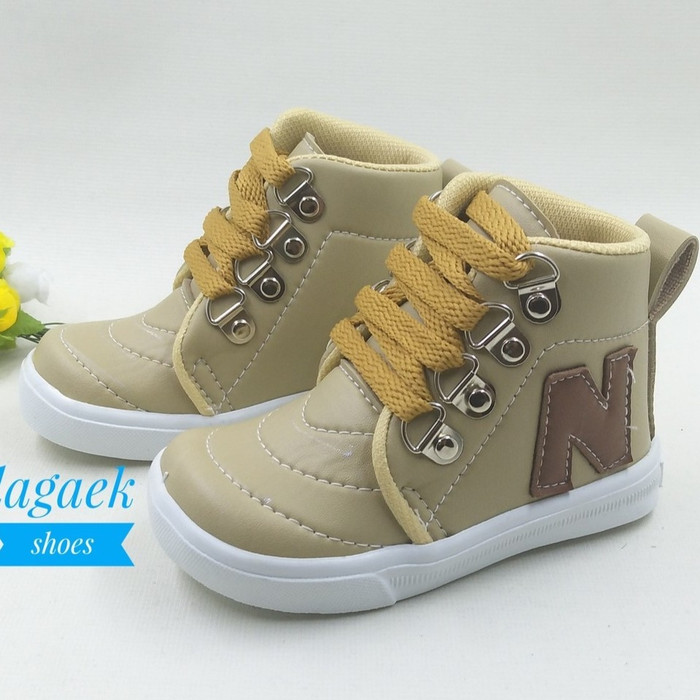 harga Sepatu anak boots all stars putih pinkmerah Tokopedia.com