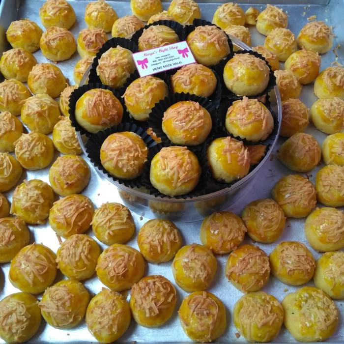 harga Nastar keju wijsman selai nanas pineaple kuker kue kering murah enak Tokopedia.com
