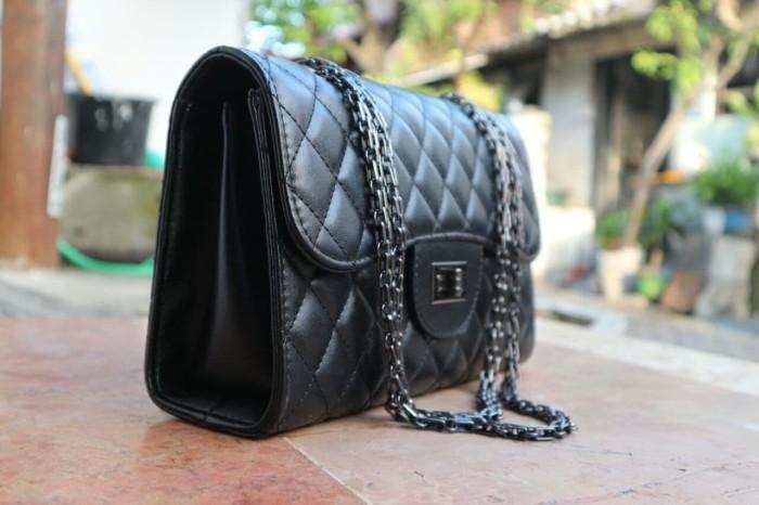 Jual Tas Selempang Import Model Chanel - Hitam - Hulwa Collection ... c57c8384c9