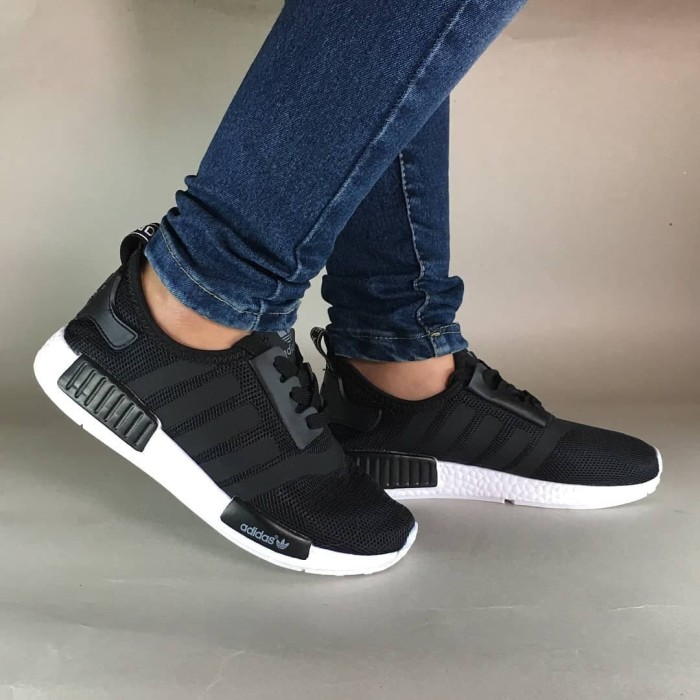... harga Adidas nmd r1 black   hitam sepatu cewek wanita running gym  fitness Tokopedia.com 5fa4e33af3