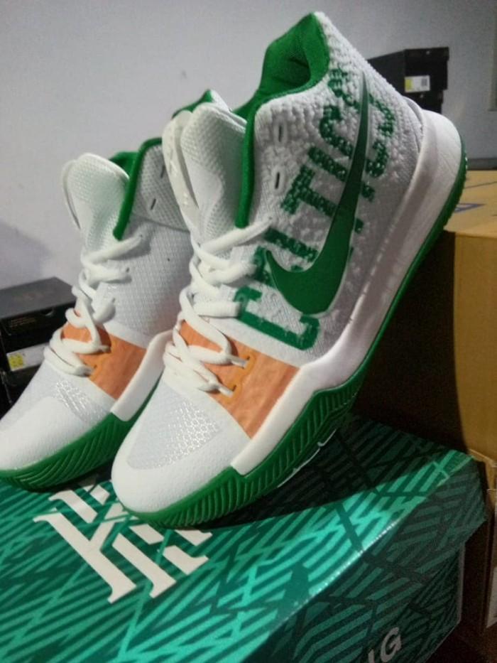 92616ee3ec2e Jual Sepatu Basket Nike Kyrie 3 Boston Celtics - Kota Administrasi ...