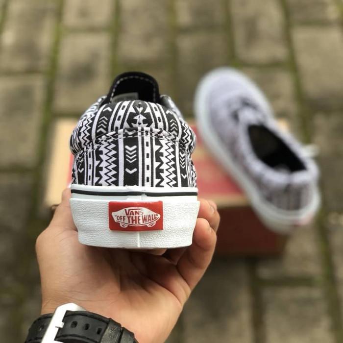Jual Sepatu Vans Era Aztec Tribal Black White BNIB Original Premium ... 5cee04f8dd