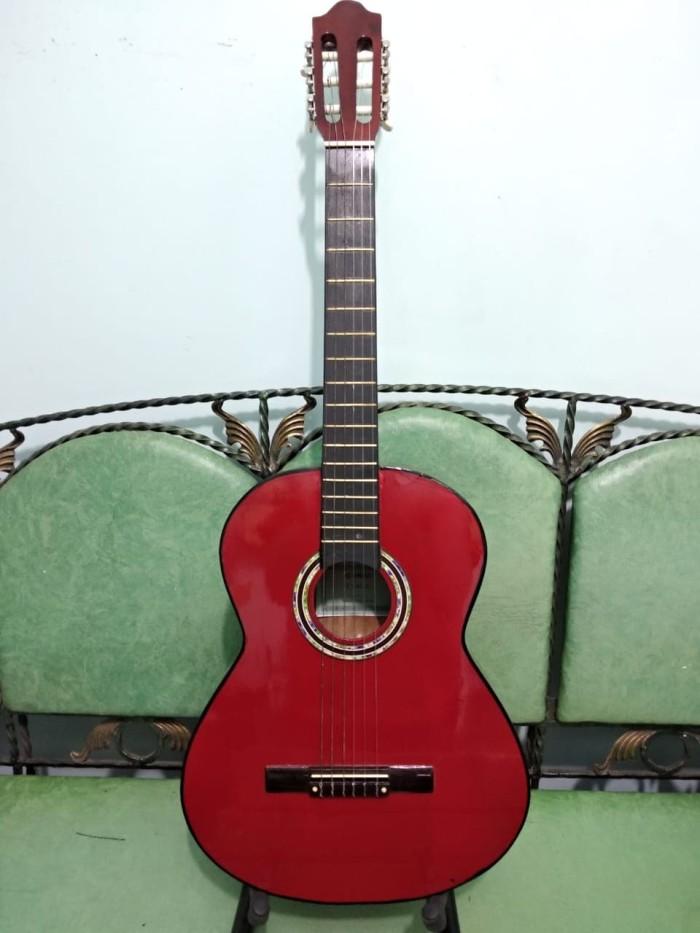 Foto Produk Gitar Classic Nylon Yamaha Warna Maroon Buat Pemula Murah Jakarta dari Hope Music Shop