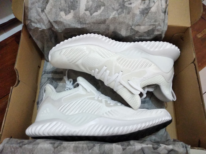 innovative design 17133 4c060 Adidas Alphabounce Beyond  BNIB Original Ori  AC8274 AC8634