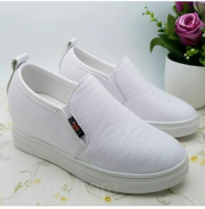 Sepatu sneakers wedges wanita putih