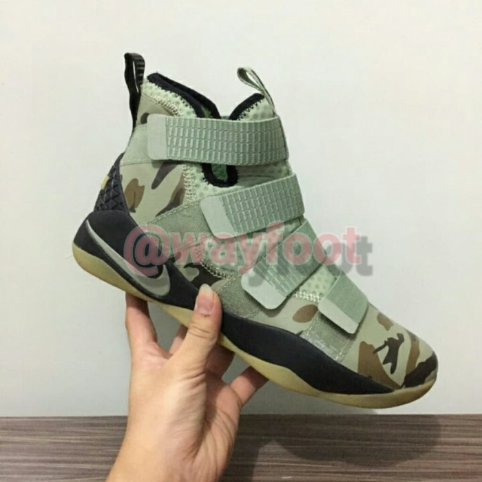 Sepatu Sneakers Basket Nike Lebron Soldier 11 (Perfect Kick BNIB) - Hijau  muda 8c43e95153