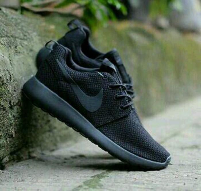 0614bb1c784d Jual Sneakers Cewe Cowo Nyaman Dipakai Nike Shoes Roshe Run One Full ...