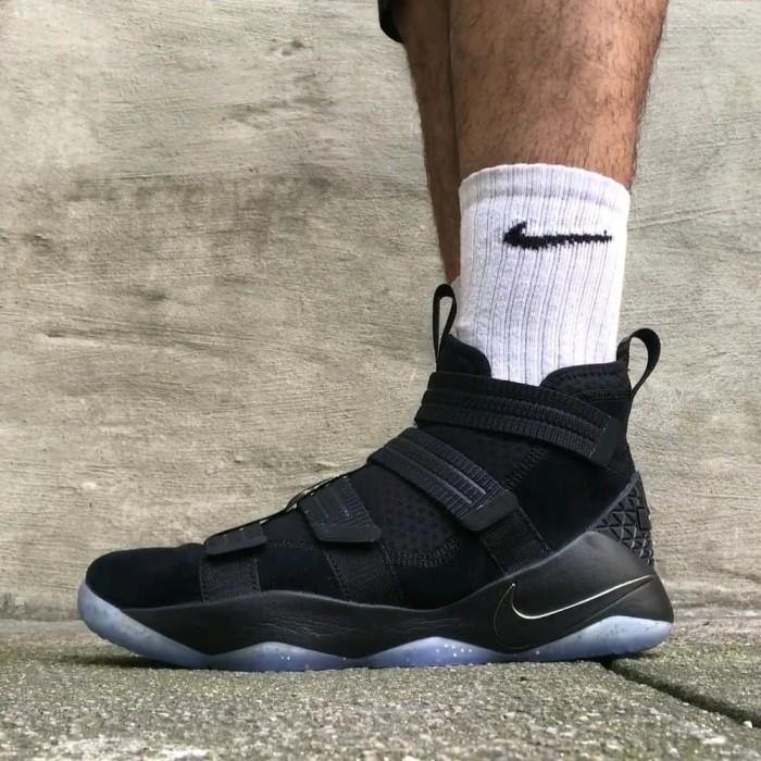 the best attitude d74c7 3fc17 Sepatu Nike Lebron Soldier 11 Berkualitas