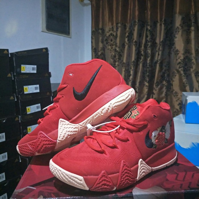 the best attitude 9fa0f f9848 Jual Sepatu Basket Nike Kyrie 4 Chinese New Year - Kyrie 4 CNY Red - DKI  Jakarta - footballstore_JKT | Tokopedia