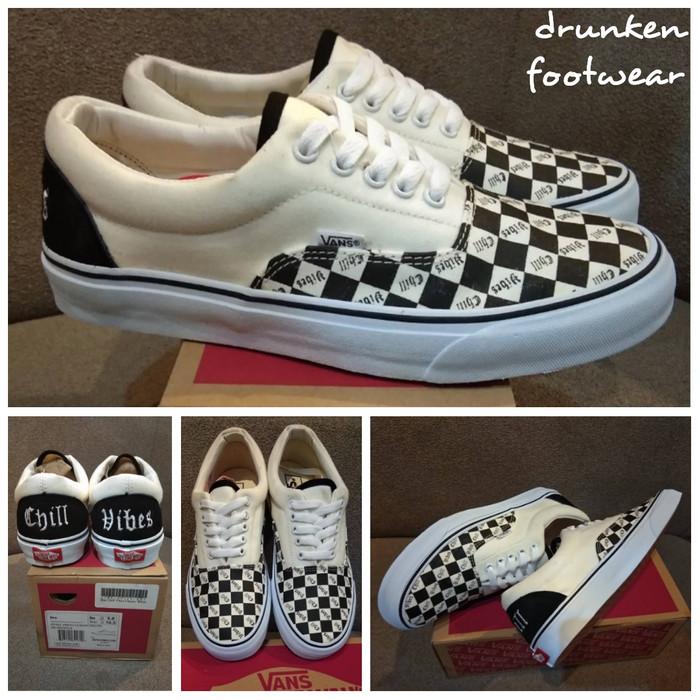 16cb81f19b harga Sepatu vans era chill vibes classic black white - putih hitam catur  Tokopedia.com