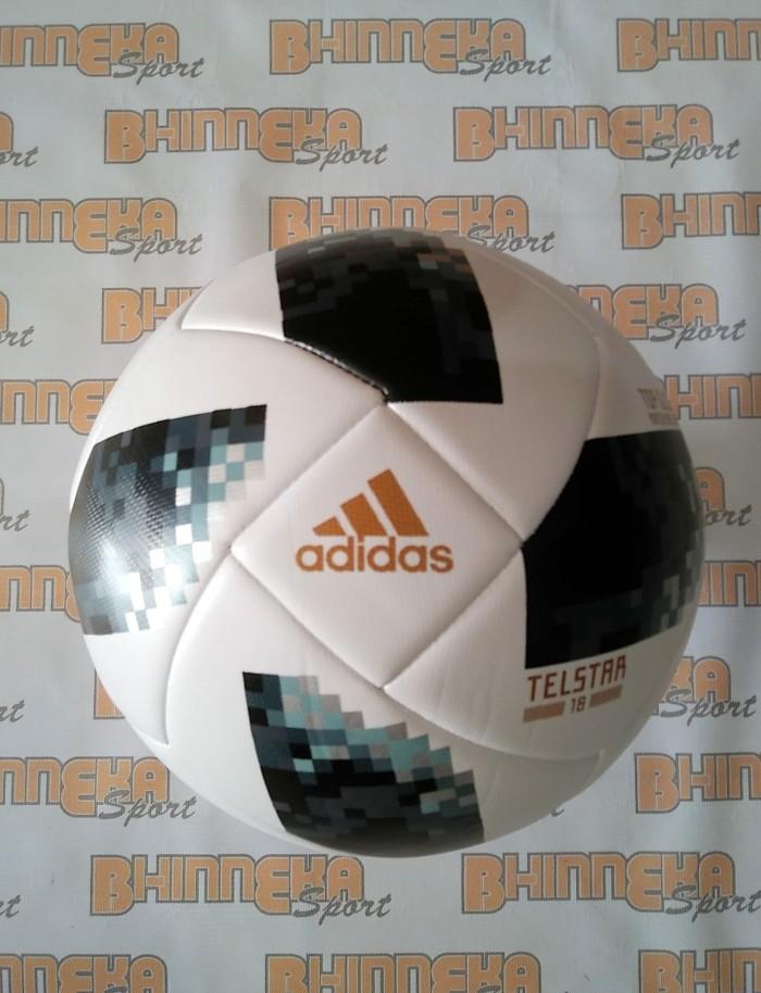 harga Bola sepak adidas telstar world cup rusia 2018 bahan pu bintik non ori Tokopedia.com