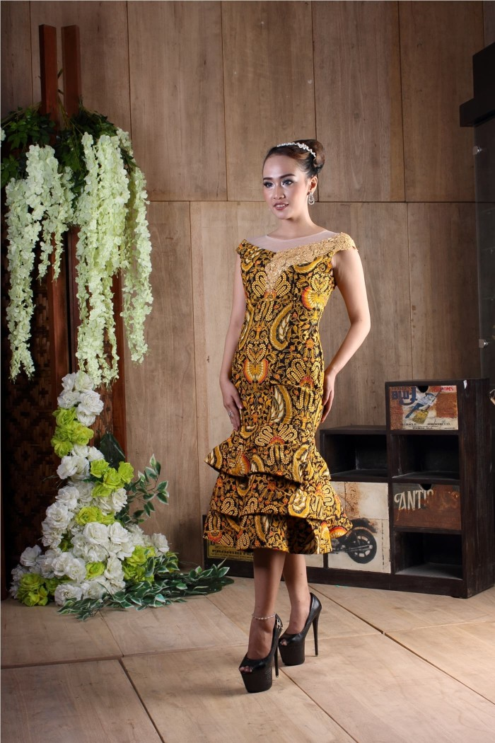 Jual Baju Wanita Dress Batik Modern Baju Pesta Batik Katun Kombinasi Brokat Kota Surakarta Sidomukti Baru Tokopedia