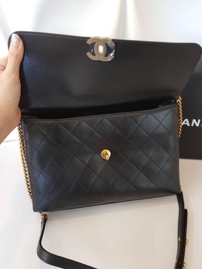 91fb7e48bbc6 Chanel flap sling bag mirror / chanel flap mirror / chanel bag mirror -  Hitam