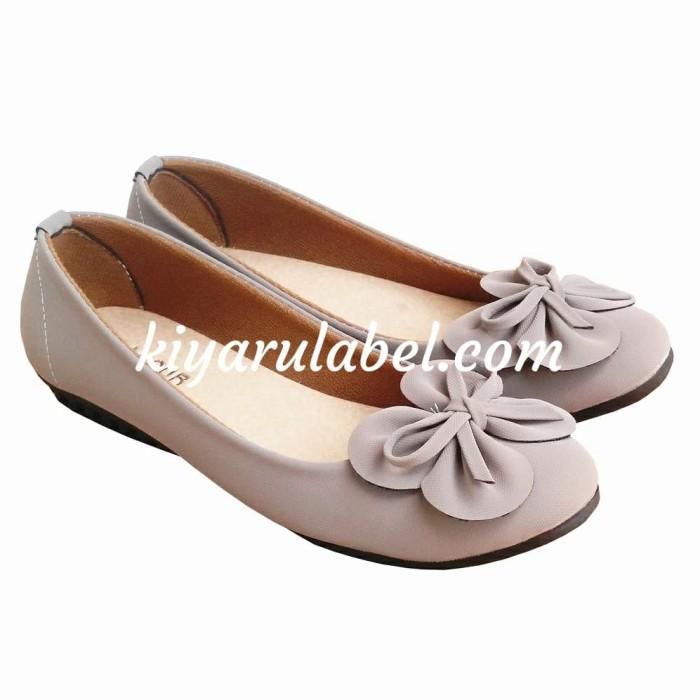 Jual Sepatu flat shoes wanita terbaru termurah - Abu-abu Muda 0120c4a271