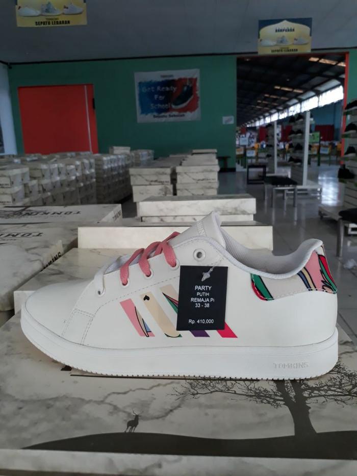 Jual Sepatu Tomkins Remaja Model PARTY Putih Harga Promo - Meser ... c3bbd03231