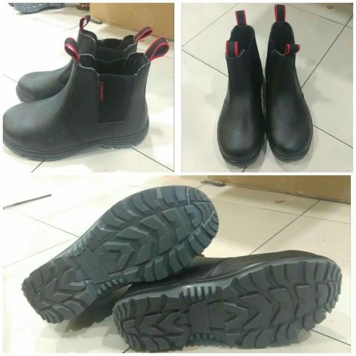 Jual Sepatu Safety Cheetah 7110 H - Satria Safety Indonesia  6bd8b2a71f