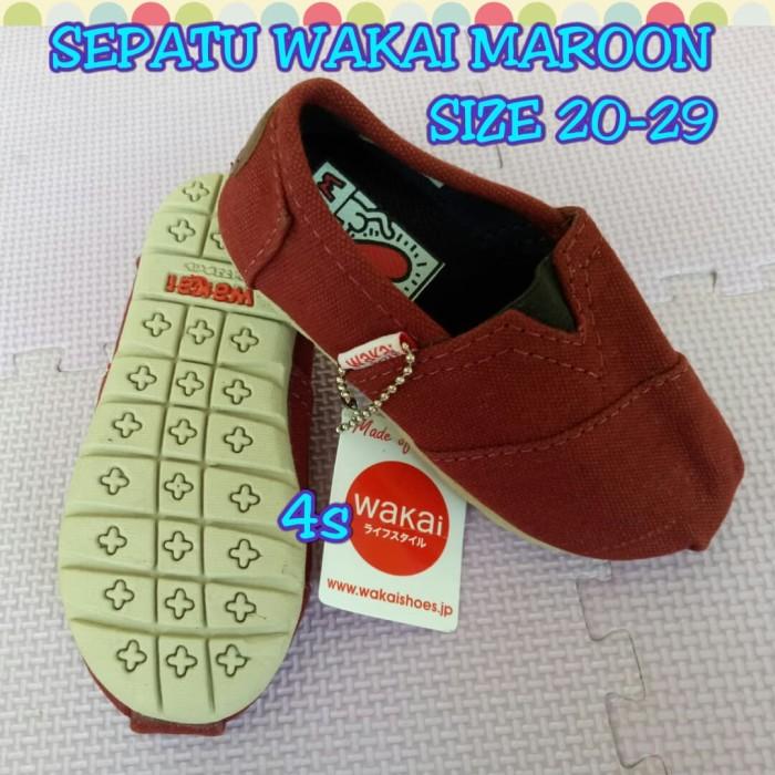 harga Sepatu wakai maroon Tokopedia.com