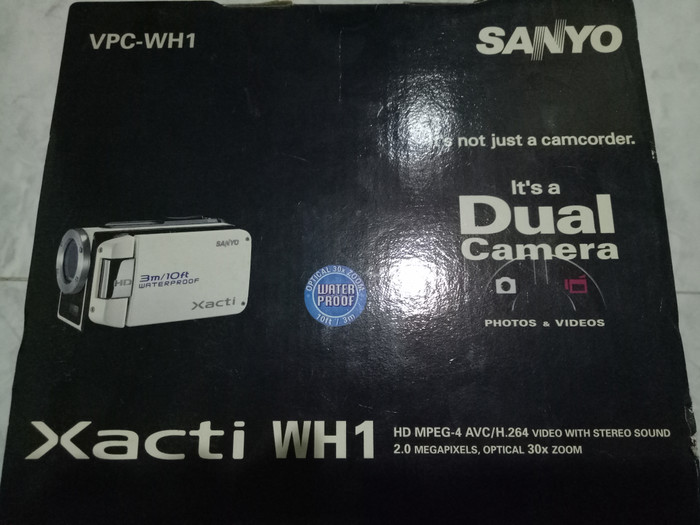 Sanyo Xacti WH1 waterproof 3m underwater dual camera preloved