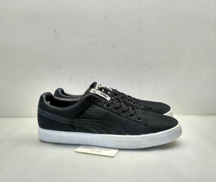 cheap for discount fae02 4f3b7 Jual Puma Clyde x Undefeated