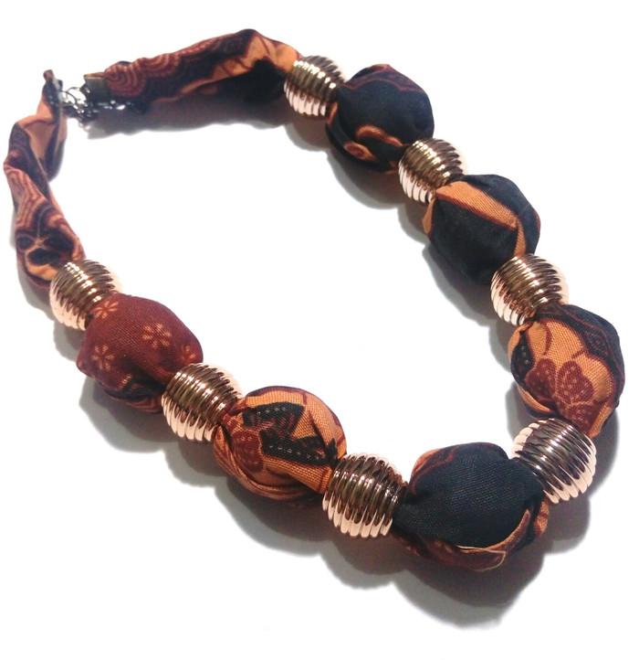 harga Kalung batik etnik kebaya perhiasan ba21 fashion tradisional Tokopedia.com