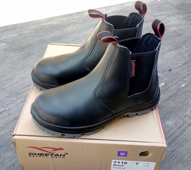 Jual Sepatu safety cheetah 7110H 7110 H 7111H 7111 H SURABAYA ... 6a0bde97df