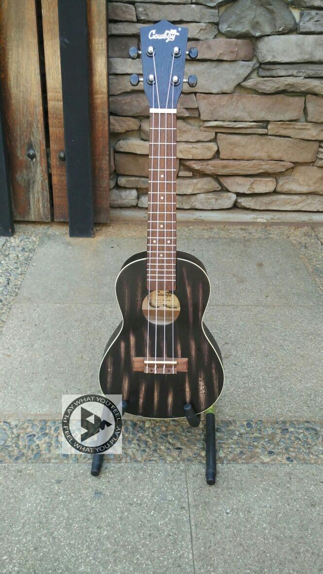 harga Cowboy ukulele concert 23  black motif limited edition + softcase Tokopedia.com