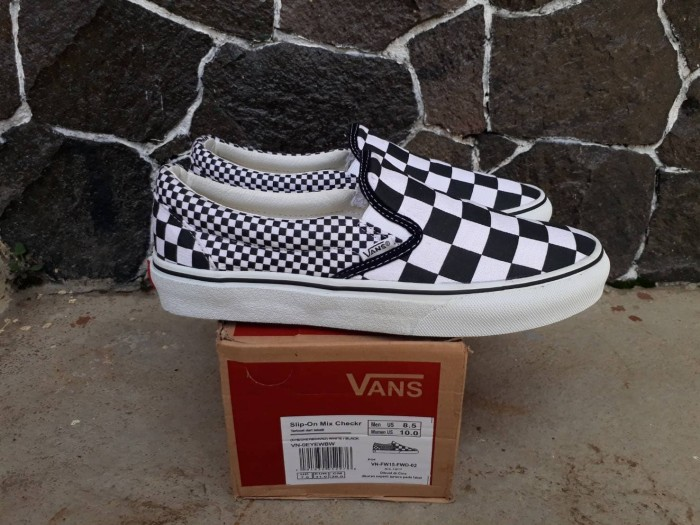 Vans Slip On Checkerbord Black White - Sepatu Vans Slip on Terbaru - Hitam 9415bebfdd