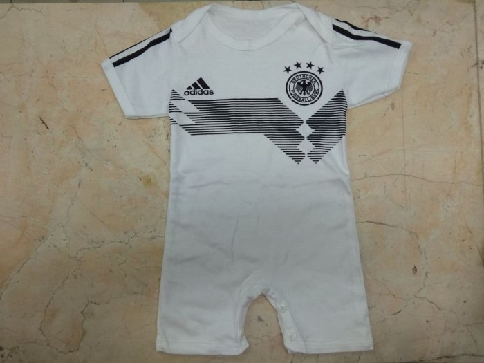 harga Baby jumper jersey bola germany home world cup 2018 baby jumper jersey Tokopedia.com