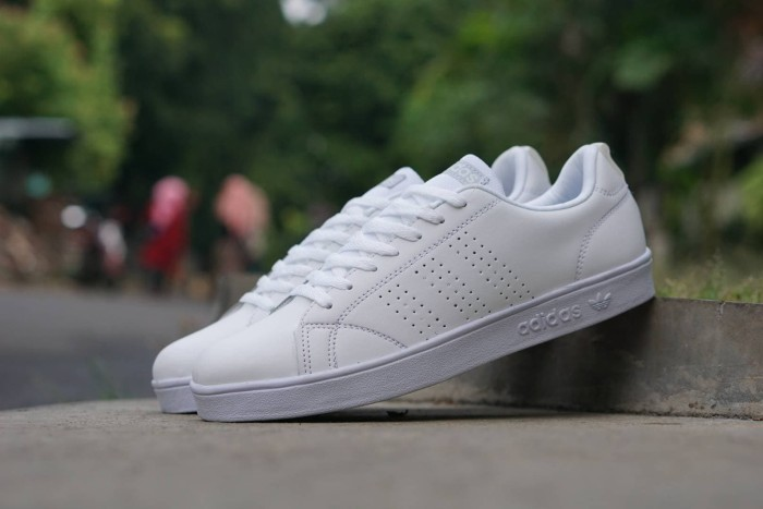 Jual Sepatu Sneakers Casual Adidas Advantage Full Putih Cewek
