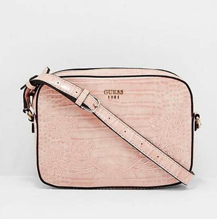 632bce4d88c4 Jual Tas guess original asli sling bag - Wulan Branded
