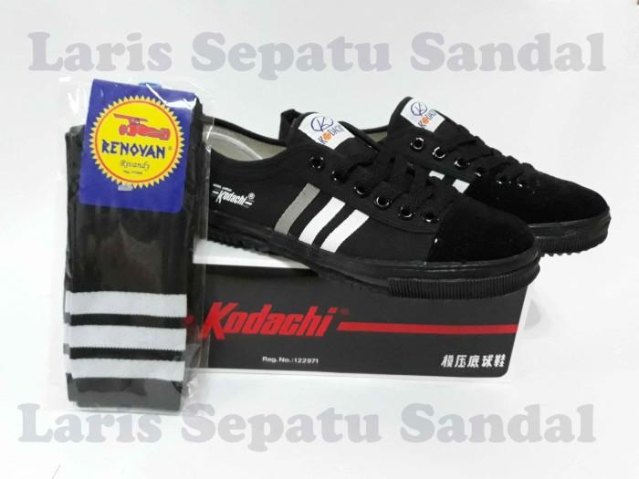 Sepatu Capung - Kodachi 8111 Hitam + Kaos Kaki - Hitam, 39