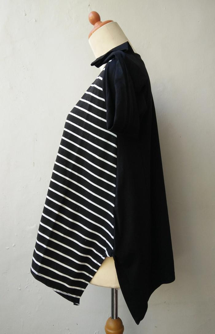 Jual PRELOVED Blouse stripe hitam putih atasan wanita baju muslim e9ac461d68