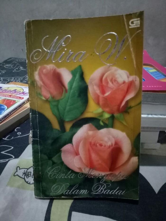 Foto Produk Novel Mira W Cinta Menyapa Dalam Badai dari Nifa Online Shop