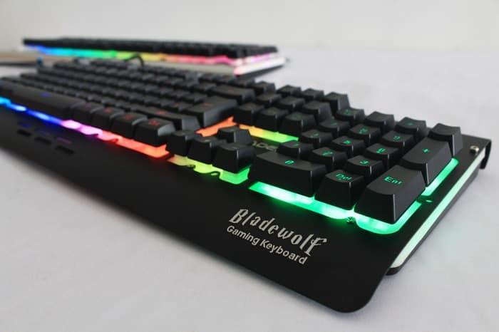 SADES BLadeWolf Sound Sensor - LED Gaming Keyboard