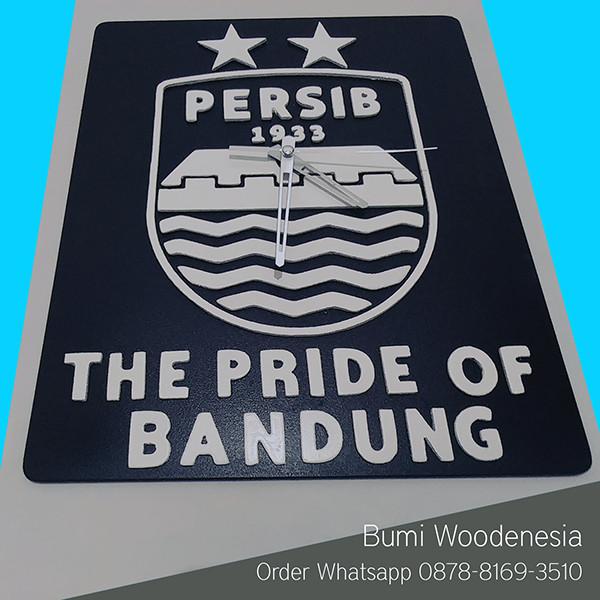 Jual Jam dinding 3D Special Edition Persib Bandung - Bumi Woodenesia ... 0df2d9c684