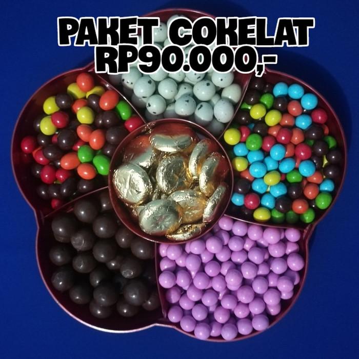 Parcel lebaran paket cokelat coklat lagie pink - chacha - koin -kacang