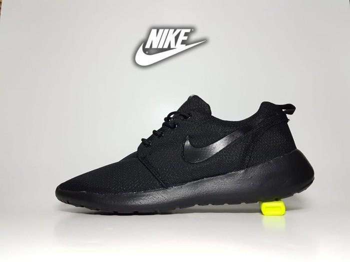 harga Sepatu sport nike roshe run fullblack / sekolah cowok Tokopedia.com